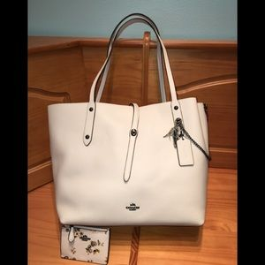 100% Authentic Coach Market Tote and Card/Key Case